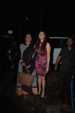 Daisy Shah with mother spotted at Bastian in bandra on 25th Aug 2018 (9)_5b83a838bd974.JPG