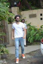 Harshvardhan Kapoor spotted at a clinic in bandra on 24th Aug 2018 (4)_5b839321459e6.JPG