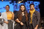 Huma Qureshi, Saqib Saleem at CAPRESE X SHIFT & ARPITA MEHTA at Lakme Fashion Week on 25th AUg 2018 (55)_5b839ccc40aa8.JPG