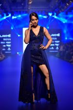 Kangana Ranaut at Pankaj and Nidhi Show at Lakme Fashion Week on 26th Aug 2018 (54)_5b83c496c16d7.JPG