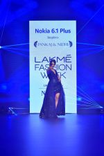 Kangana Ranaut at Pankaj and Nidhi Show at Lakme Fashion Week on 26th Aug 2018 (63)_5b83c4bb3d67f.JPG