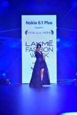 Kangana Ranaut at Pankaj and Nidhi Show at Lakme Fashion Week on 26th Aug 2018 (64)_5b83c4c1e3865.JPG
