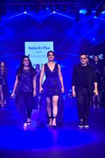 Kangana Ranaut at Pankaj and Nidhi Show at Lakme Fashion Week on 26th Aug 2018 (68)_5b83c4d877217.JPG
