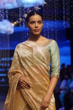 Model at KANIKA GOYAL SHANTI POOCHKI SHOW at Lakme Fashion Show on 25th Aug 2018JPG (110)_5b839eab55657.JPG