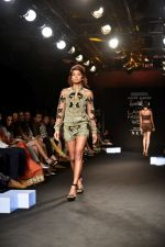 Model at KARTIKEYA MISFIT PANDA SHOW at Lakme Fashion Week on 25th Aug 2018 (166)_5b839f1def14e.JPG