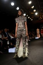 Model at KARTIKEYA MISFIT PANDA SHOW at Lakme Fashion Week on 25th Aug 2018 (174)_5b839f326274e.JPG