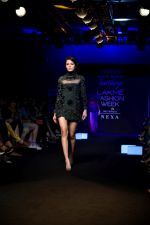 Model at KARTIKEYA MISFIT PANDA SHOW at Lakme Fashion Week on 25th Aug 2018 (199)_5b839f6dcaea0.JPG