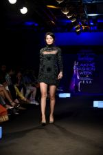 Model at KARTIKEYA MISFIT PANDA SHOW at Lakme Fashion Week on 25th Aug 2018 (200)_5b839f702e723.JPG