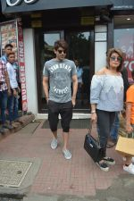 Ravi Chopra_s Wife & Sons Spotted At Bastian In Bandra on 26th Aug 2018 (12)_5b83c4a03a0b3.JPG