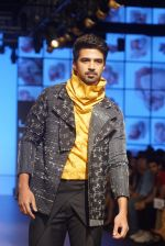 Saqib Saleem at CAPRESE X SHIFT & ARPITA MEHTA at Lakme Fashion Week on 25th AUg 2018 (51)_5b839cd1434a7.JPG