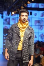Saqib Saleem at CAPRESE X SHIFT & ARPITA MEHTA at Lakme Fashion Week on 25th AUg 2018 (55)_5b839cdbe50a1.JPG