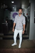 Saqib Saleem spotted at zee etc office in andheri on 25th Aug 2018 (12)_5b83a8be3db81.JPG