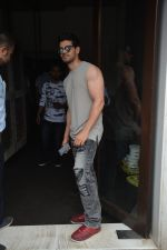 Sooraj Pancholi Spotted At Bastian In Bandra on 26th Aug 2018 (11)_5b83c4c5a546f.JPG