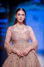 Aditi Rao Hydari walk the ramp for Jayanti Reddy at Lakme Fashion Week on 26th Aug 2018 (69)_5b84e86e20ebc.jpg