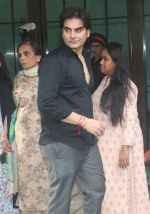 Arbaaz Khan at Arpita Khan_s house in bandra on 27th Aug 2018 (13)_5b84f930169bb.JPG
