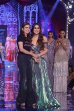 Kareena Kapoor at Grand Finale of Lakme Fashion Show 2018 on 27th Aug 2018