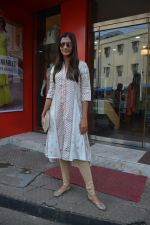 Pooja Hegde spotted at bandra on 27th Aug 2018 (7)_5b84febc8b4dc.JPG