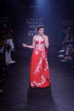 Prachi Desai walk the ramp for 6 degree studio Show at lakme fashion week on 27th Aug 2018 (151)_5b84f2cea1dc8.JPG