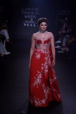 Prachi Desai walk the ramp for 6 degree studio Show at lakme fashion week on 27th Aug 2018 (152)_5b84f2d047689.JPG