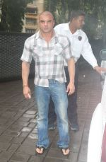 Sohail Khan at Arpita Khan_s house in bandra on 27th Aug 2018 (5)_5b84ffc7e8245.JPG