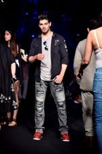 Sooraj Pancholi at Lakme Fashion Week STUDIO on 27th Aug 2018 (186)_5b84eee918beb.JPG