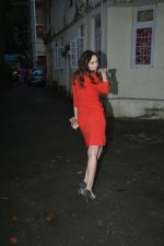 Evelyn Sharma Spotted At Bandra on 28th Aug 2018 (15)_5b86589447b55.JPG