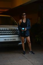 Daisy Shah spotted at bandra on 29th Aug 2018 (12)_5b878e8dcb754.JPG