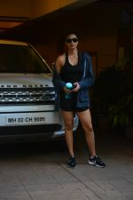 Daisy Shah spotted at bandra on 29th Aug 2018 (13)_5b878e910d8f6.JPG