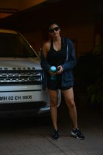Daisy Shah spotted at bandra on 29th Aug 2018 (16)_5b878e9693728.JPG