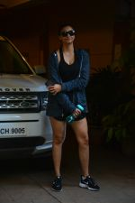 Daisy Shah spotted at bandra on 29th Aug 2018 (18)_5b878e9a14428.JPG