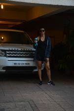 Daisy Shah spotted at bandra on 29th Aug 2018 (2)_5b878e790c9af.JPG