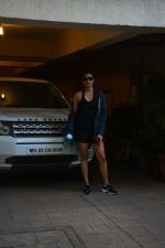 Daisy Shah spotted at bandra on 29th Aug 2018 (6)_5b878e805b773.JPG