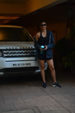 Daisy Shah spotted at bandra on 29th Aug 2018 (8)_5b878e84c6113.JPG