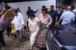 Asha Bhosle, Kajol On The Sets Of Colors Show Dance Deewane In Filmcity Goregaon on 30th Aug 2018 (22)_5b88f38e8384b.jpg
