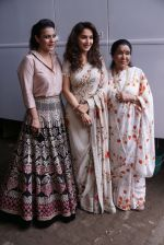 Asha Bhosle, Kajol, Madhuri Dixit On The Sets Of Colors Show Dance Deewane In Filmcity Goregaon on 30th Aug 2018 (24)_5b88f35f03f18.jpg