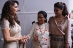 Asha Bhosle, Kajol, Madhuri Dixit On The Sets Of Colors Show Dance Deewane In Filmcity Goregaon on 30th Aug 2018 (29)_5b88f39746e01.jpg