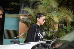 Aditi Rao Hydari Spotted At Versova on 1st Sept 2018 (1)_5b8cdb3e8ec55.JPG