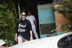 Aditi Rao Hydari Spotted At Versova on 1st Sept 2018 (6)_5b8cdb404127e.JPG