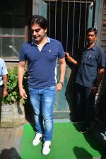 Arbaaz Khan Spotted With Girlfriend & Son At Pali Village Cafe In Bandra on 1st Sept 2018 (1)_5b8cf6e0434d4.JPG