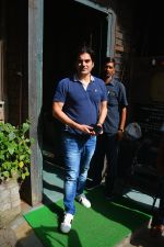 Arbaaz Khan Spotted With Girlfriend & Son At Pali Village Cafe In Bandra on 1st Sept 2018 (9)_5b8cf6f1a20b3.JPG