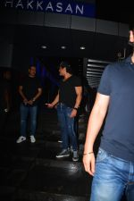 Bobby Deol Spotted At Hakkasan In Bandra on 2nd Sept 2018 (2)_5b8cfa5a89064.JPG