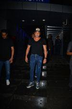 Bobby Deol Spotted At Hakkasan In Bandra on 2nd Sept 2018 (6)_5b8cfa63da3cb.JPG