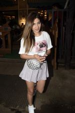 Karishma Sharma Spotted At Juhu on 2nd Sept 2018 (11)_5b8cfab35a438.JPG