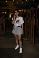 Karishma Sharma Spotted At Juhu on 2nd Sept 2018 (8)_5b8cfaadc89b3.JPG