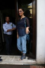 Sophie Choudry Spotted At Bandra on 1st Sept 2018 (1)_5b8cf76f55ccc.JPG