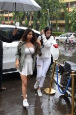 Suhana Khan ,Ananya Pandey Spotted At Bastian Bandra on 1st Sept 2018 (4)_5b8cf78671455.JPG