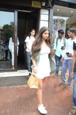 Suhana Khan Spotted At Bastian Bandra on 1st Sept 2018 (13)_5b8cf7887d494.JPG