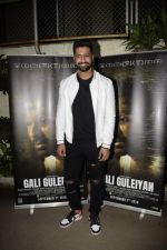 Vicky Kaushal at the Screening Of Film Gali Guleiyan At Sunny Sound on 3rd Sept 2018 (28)_5b8e22a0ba4af.JPG