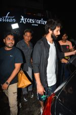 Shahid Kapoor spotted at Bastian bandra on 4th Sept 2018 (2)_5b8f7d5f65138.JPG