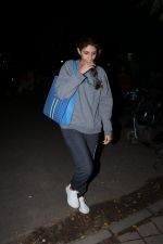 Shweta Bachchan spotted at kromakey juhu on 4th Sept 2018 (6)_5b8f72f53b6c4.JPG